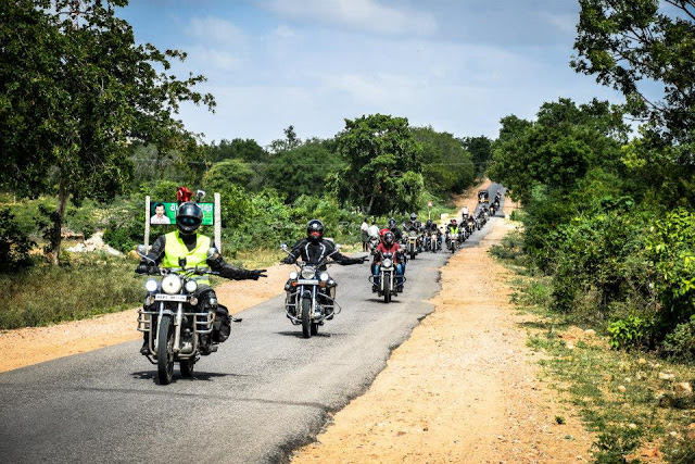 Gandikota and Belum Caves Motorcycle Club Ride from Bangalore
