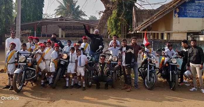 Road Thrill Shivamogga at the School pose with Kids