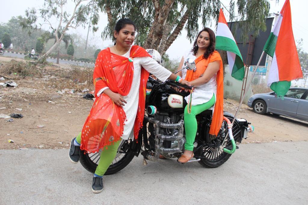Road Thrill Women at Hyderabad